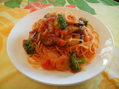 海老とブロッコリーのトマトパスタ