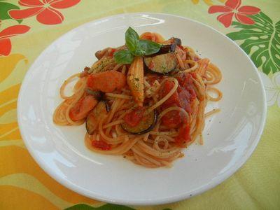 茄子とチョリソーのトマトパスタ